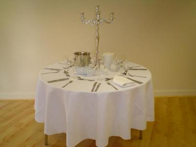 Table setting, 8, 4' round table
