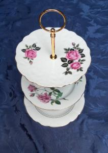 Vintage 3-tier cake stand (1) £5